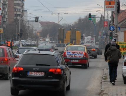 Proiect al noului Cod Rutier: Şoferii 'agresivi', amenzi de 6-8 puncte şi reţinerea permisului