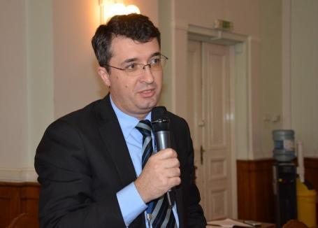 Schimbare de gardă: Eduard Florea va prelua din 1 iunie funcţia de city manager al Oradiei