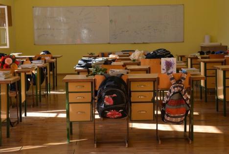 'Şcoală după şcoală': Peste 4.300 de elevi bihoreni înscrişi în program. În 16 şcoli, dascălii fac voluntariat