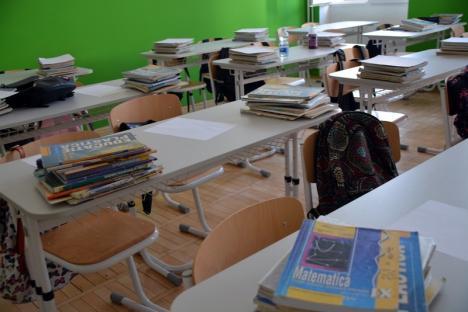 Şcolile şi grădiniţele din România nu se mai deschid în acest an şcolar. Ce se întâmplă cu elevii din ani terminali (VIDEO)