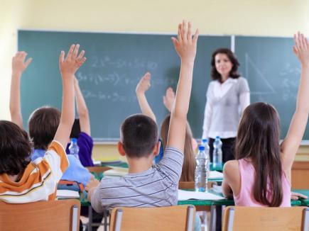 Profesorii care ţin orele colegilor au dreptul să fie plătiţi