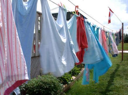 Se fură până şi hainele întinse la uscat