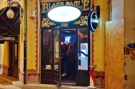 Localurile Black Eagle Pub, Broadway şi Baredo din Oradea au fost închise de Poliţia Locală