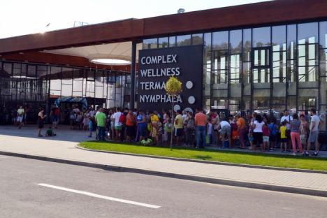 Propuneri de bun simţ: Consilierul UDMR Kirei Melinda cere municipalităţii să rezolve problema cozilor la Aquapark
