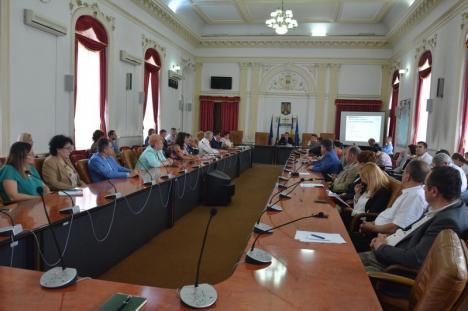 Gata cu transparenţa! Ioan Mihaiu nu mai vrea întrebări din partea presei în timpul ședințelor Colegiului prefectural (FOTO)
