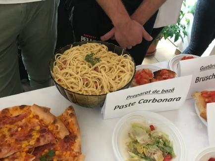 Masterchef... la şcoală: Elevi de la Economic au gătit pentru colegii lor reţete învăţate în stagii de practică în străinătate