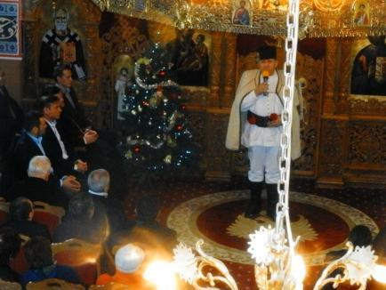 Sătenii din Cihei au intrat în atmosfera sărbătorilor la un spectacol de colinde, ţinut la biserica ortodoxă (FOTO)