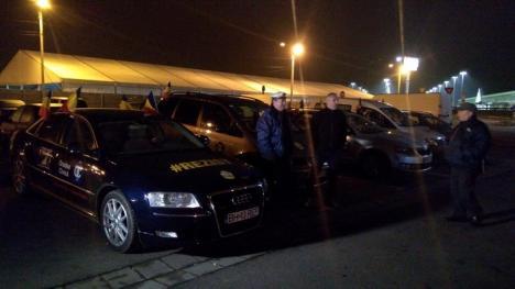Coloane împotriva celor fără coloană: Un grup de orădeni a pornit să protesteze la Bucureşti, rugându-şi concitadinii să iasă şi ei în stradă (FOTO / VIDEO)