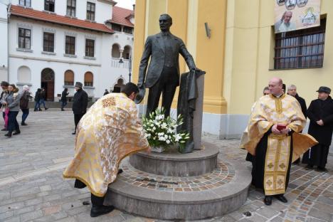 Parastasul lui Iuliu Maniu, oficiat de episcopul Virgil Bercea la Oradea: Între cei prezenți, și primarul Ilie Bolojan (FOTO / VIDEO)