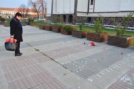 Mama gemenelor Jurcan, la comemorarea victimelor accidentelor rutiere din Bihor: 'Viteza ucide, indiferent de marca maşinii' (FOTO)