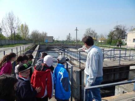 Şcoala Altfel 2017 - Porţi deschise la Compania de Apă Oradea (FOTO)