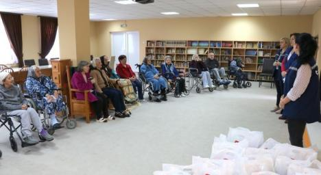 'Bucuria învierii'. Compania de Apă Oradea a distribuit cadouri la Centrul Smiles din Tileagd (FOTO)