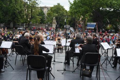 Muzicienii Filarmonicii au susţinut primul eveniment în aer liber în Oradea, de la ridicarea restricţiilor. Care a fost atmosfera(FOTO / VIDEO)