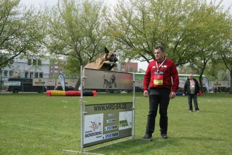 Orădeanul Alexandru Bondar și câinele său, Dilara, medaliați la Campionatul Mondial de Mondioring din Germania (FOTO)