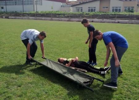 Prietenii pompierilor: Elevii bihoreni s-au întrecut în concursurile ISU Crişana (FOTO)