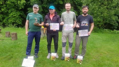 Open Iad: 20 de pescari au prins 900 de peşti, la un concurs pe Valea Iadului (FOTO)