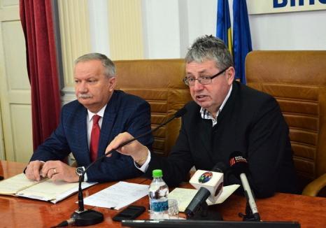 Şefii de la CJ Bihor au semnat contracte noi de 70 milioane lei pentru drumuri şi se arată 'optimişti' în privinţa aprobării proiectului pe sănătate