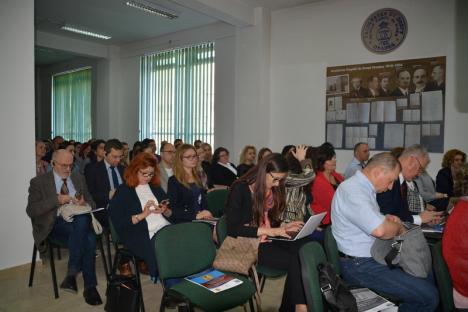 Conferinţe anti-mediocritate: La Facultatea de Drept se ţin prelegeri magistrale pentru profesori şi studenţi (FOTO)