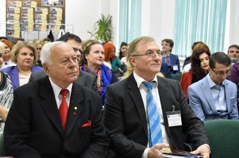 Facultatea de Drept sărbătoreşte 100 de ani de şcoală juridică românească la Oradea. Printre invitaţi, fostul procuror general Augustin Lazăr (FOTO)