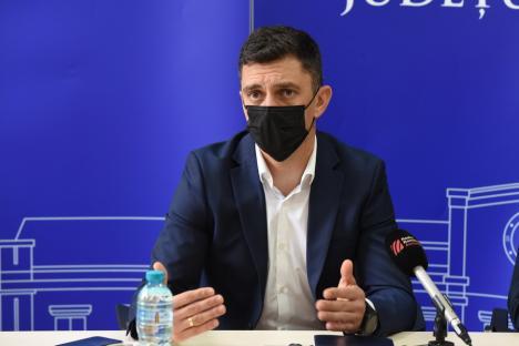 Ministrul campionEduard Novak, la Oradea: Ministerul vrea revitalizarea sportului cu tabere școlare, 5 ore de sport săptămânal în școli și stimularea performanței