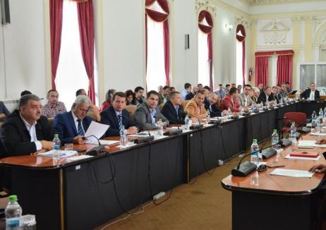 Consilierii PNL Bihor: Vina ratării proiectului pe sănătate aparţine exclusiv executivului Consiliului Judeţean