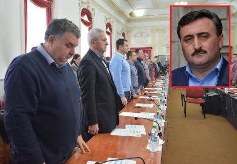 Puşi să-l voteze: Tribunalul Bihor îi obligă pe consilierii judeţeni ai PNL să-l valideze pe PSD-istul Adrian Szatmari