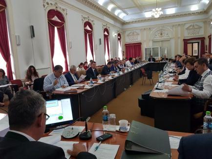 Guvernul a decis că președinții consiliilor județene vor fi aleși prin vot direct. Iohannis: E o concesie pentru baronii PSD
