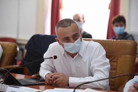 """CJ Bihor a """"subţiat"""" numărul foştilor gardieni publici cu 15 agenţi de pază şi a tăiat alte 49 posturi neocupate după ce trei instituţii au renunţat la contracte (FOTO)"""