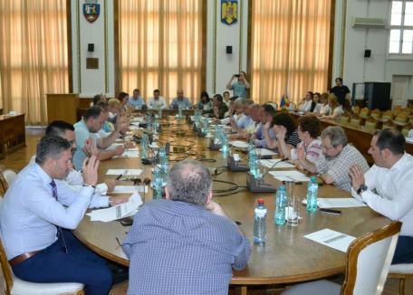 Consiliul Local Oradea a redus cu 60% sporurile medicilor şi cu 25% cele ale asistenţilor medicali