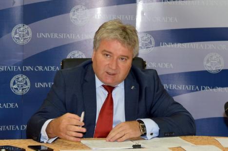 Universitatea din Oradea se pregăteşte de admitere, cu un număr record de locuri bugetate: 1.885 la studii de licenţă şi 840 la masterat