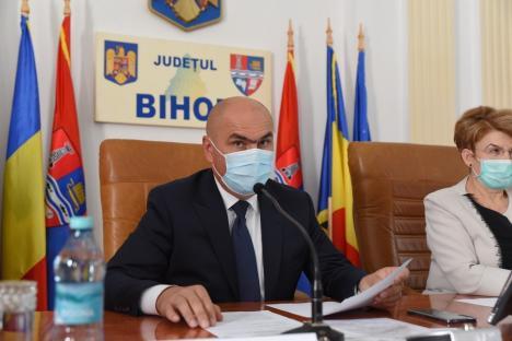 Ilie Bolojan a depus jurământul de preşedinte al Consiliului Judeţean Bihor. Anunţă restructurarea şi eficientizarea instituţiei (FOTO)