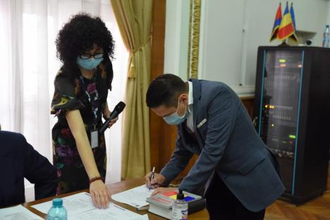 Florin Birta a depus jurământul de primar al Oradiei: 'Vă promit că nu vă voi dezamăgi' (FOTO / VIDEO)