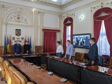 Operativitate: Prefectura Bihor a coordonat în 8 zile constituirea a 99 de consilii locale şi a celui Judeţean, majoritatea online, printr-un sistem unic în România (FOTO)