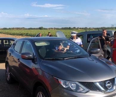 Atenţie, controale ample ale Poliţiei pe şoselele din Bihor! Tânăr şofer de BMW prins cu 158 km/h pe centură (FOTO / VIDEO)
