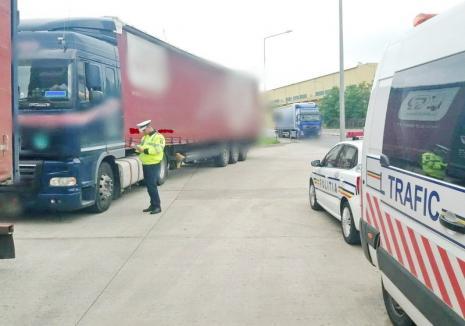 O nouă acţiune de amploare pe şoselele din Bihor: Camioanele, autobuzele şi alte vehicule de transport, verificate de poliţişti