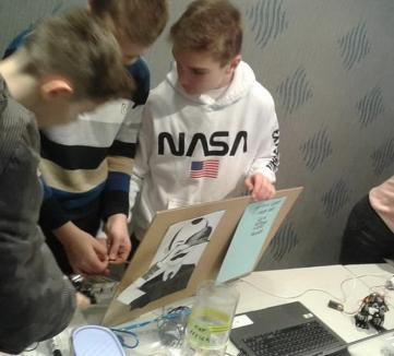 Programatorii viitorului: zeci de copii orădeni și-au prezentat invențiile și jocurile la Gala Smart (FOTO)