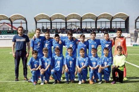 Răsplată pentru talent: Echipa copiilor din Sânmartin va urmări meciul de fotbal dintre România şi Spania din sectorul VIP al Arenei Naţionale