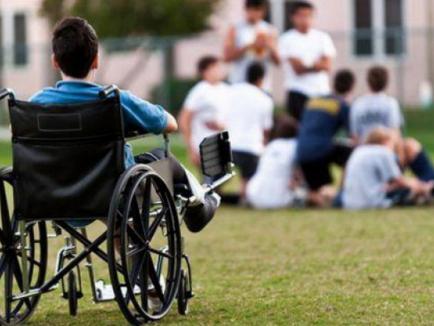"""CJ Bihor și-a """"croit"""" strategie pentru a continua externalizarea serviciilor de asistență socială. Așteaptă propuneri și observații"""