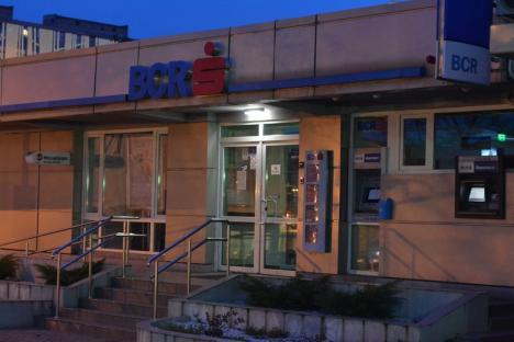 Un băieţel de 2 ani a ajuns la Urgenţe, după ce s-a curentat la un bancomat, în Oradea! (FOTO)