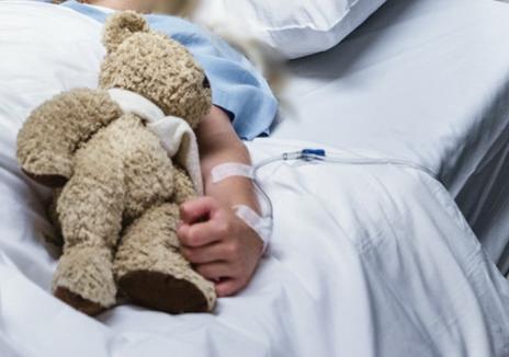 Cel mai tânăr suspect de cornavirus din Bihor, un copil de doar 3 ani. Au fost confirmate alte două cazuri