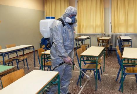 Măsuri anti-Covid în Bucureşti, după ce indicele de infectări a trecut de 3 la mie: Se închid şcolile şi restaurantele, măştile devin obligatorii peste tot