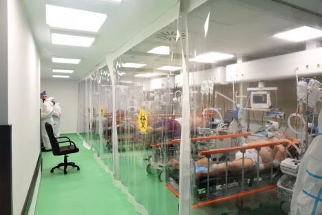 """Din nou """"pe roșu"""": Valul 4 e aici, spitalele din Oradea nu mai au suficiente locuri la ATI pentru bolnavii Covid! (FOTO)"""