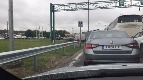 Blocaţi la frontieră! Cozi mari de mașini în Borş şi Valea lui Mihai din cauza unor probleme la sistemul informatic al maghiarilor