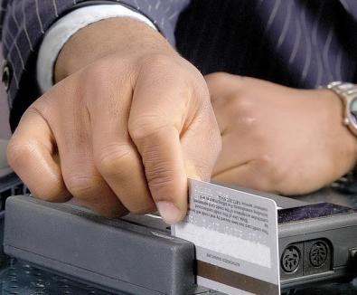 Atenţie! Cardurile bancare vă pot fi blocate de la 1 aprilie