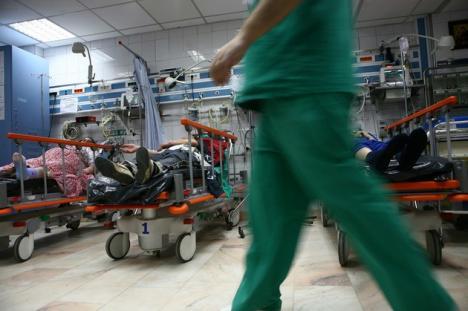 Un secretar de stat anunţă creşterea contribuţiilor sociale la sănătate. Ministrul Bănicioiu neagă