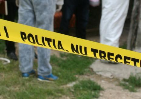 Crimă oribilă la Băița - Bihor: A stat săptămâni în șir în casă cu amicul pe care l-a tăiat în două!