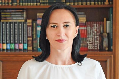 """Adina Florea, scoasă din ancheta procurorilor DNA Oradea. A spus despre Crina Muntean că """"are urticarie, de asta nu scapă""""!"""