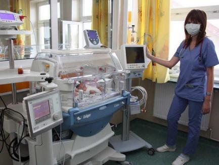 Maternitatea Oradea a primit donaţie un echipament ce poate salva micuţii născuţi prematur