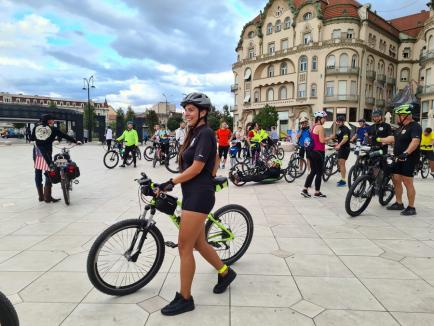 'Vrem piste de biciclete!': Zeci de orădeni au pedalat la Critical Mass, pentru a promova mersul pe două roţi (FOTO)