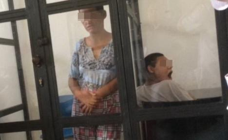 De groază: Persoane cu handicap, ţinute în cuşti şi legate de pat la Sighetu Marmaţiei (FOTO)